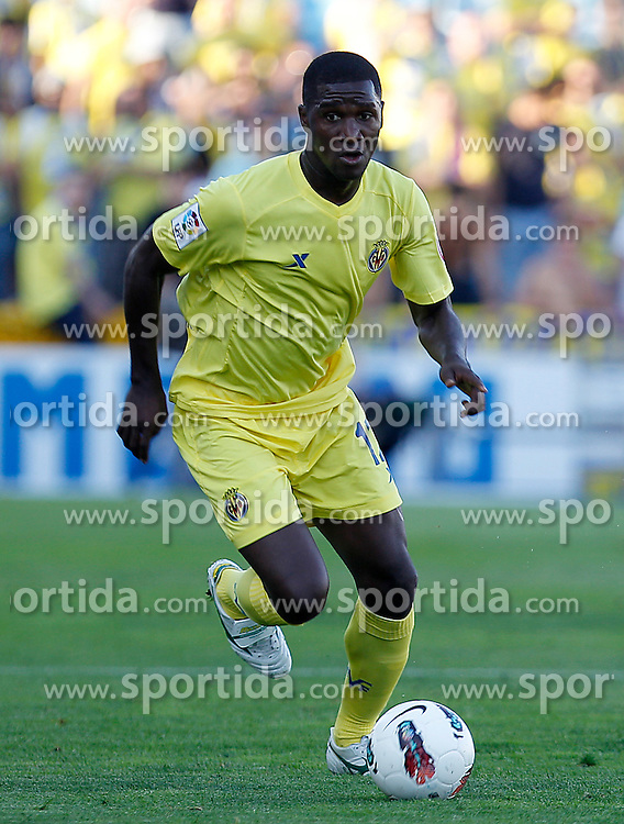 15.10.2011, Coliseum Alfonso Perez, Getafe, ESP, Primera Division, FC Getafe vs FC Villarreal, im Bild Villareal's Cristian Zapata // during Primera Division football match between FC Getafe and FC Villarreal at Coliseum Alfonso Perez, Getafe, Spain on 15/10/2011. EXPA Pictures © 2011, PhotoCredit: EXPA/ Alterphoto/ Acero +++++ ATTENTION - OUT OF SPAIN/(ESP) +++++