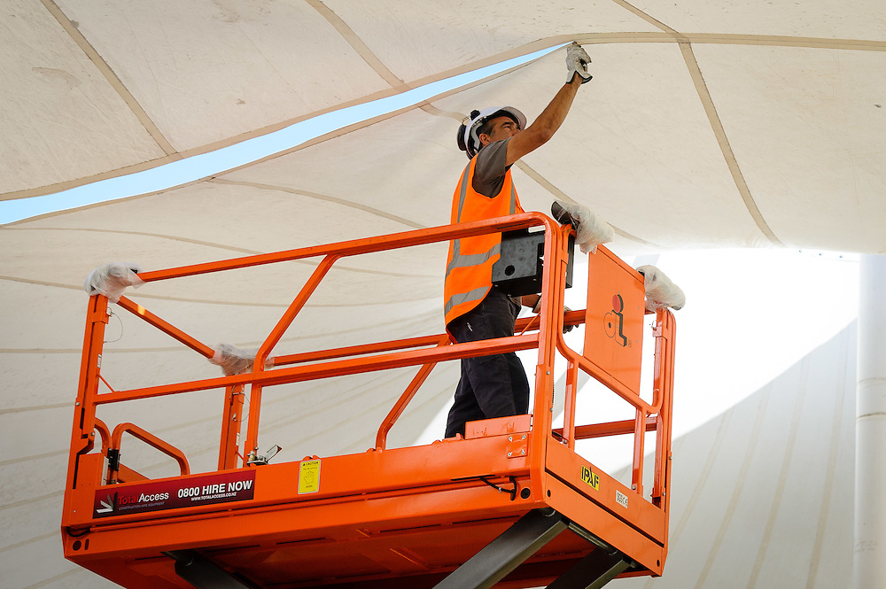 Porirua City Council: Removal of the Canopies on Wednesday 21 January 2015.<br /> <br /> Photo by Mark Tantrum | www.marktantrum.com