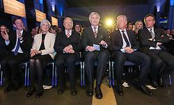07.04.2016, Congress, Innsbruck, AUT, Wahlkampfauftakt Andreas Khol zur Präsidentschaftswahl 2016, im Bild v.l: Heidi Khol, Praesidentschaftskandidat Andreas Khol (OeVP), Bayerns Ministerpräsident Horst Seehofer (CSU), Vizekanzler Reinhold Mitterlehner (OeVP), Tirols Landeshauptmann Guenther Platter (OeVP) // f.l.: Heidi Khol Candidate for Presidential Elections Andreas Khol (OeVP) Bavarian Prime Minister Horst Seehofer (CSU) Vice Chancellor Reinhold Mitterlehner (OeVP) Governor of Tirol Guenther Platter (OeVP) during campaign opening according to the austrian presidential elections at the Congress in Innsbruck, Austria on 2016/04/07. EXPA Pictures © 2016, PhotoCredit: EXPA/ Johann Groder