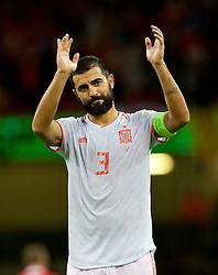 CARDIFF, WALES - Thursday, October 11, 2018: Spain's Raúl Albiol applauds the travelling supporters after the International Friendly match between Wales and Spain at the Principality Stadium. Spain won 4-1. (Pic by Laura Malkin/Propaganda)