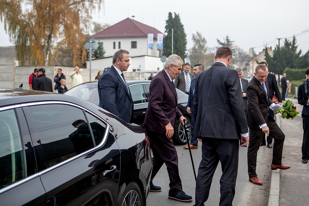"""Czech president Milos Zeman's surrounded by bodygrads arrives at his """"meetings with citizens"""" at the village of Brasy located in the Pilsen Region.  Miloš Zeman (born 28 September 1944) is the third and current President of the Czech Republic, in office since 8 March 2013.  He announced his candidacy for the 2018 presidential elections which will be held in the Czech Republic on 12–13 January."""