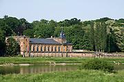 Elbeufer, Elbe, Wasserwerk Saloppe, Dresden, Sachsen, Deutschland. .Dresden, Germany, river Elbe, waterwork Saloppe