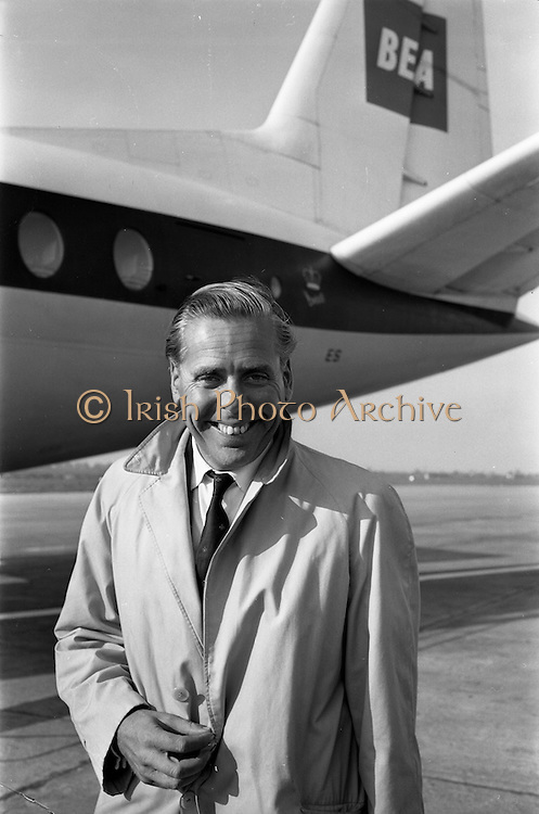 "22/03/1963<br /> 03/22/1963<br /> 22 March 1963<br /> Kevin McClory, Film Producer arrives at Dublin Airport. Kevin McClory is known for having adapted the James Bond novels for the screen and producing the film ""Thunderball""."