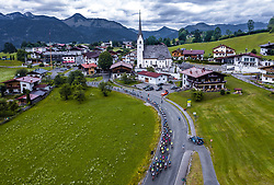 12.07.2019, Kitzbühel, AUT, Ö-Tour, Österreich Radrundfahrt, 6. Etappe, von Kitzbühel nach Kitzbüheler Horn (116,7 km), im Bild das Peloton bei Gschwendt // the Peloton at Gschwendt during 6th stage from Kitzbühel to Kitzbüheler Horn (116,7 km) of the 2019 Tour of Austria. Kitzbühel, Austria on 2019/07/12. EXPA Pictures © 2019, PhotoCredit: EXPA/ JFK