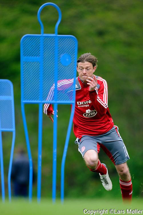 DK:<br /> 20100519, Vedb&aelig;k, Danmark:<br /> Fodbold landsholdet tr&aelig;ner: <br /> Jon Dahl Tomasson (DEN)<br /> Foto: Lars M&oslash;ller<br /> UK: <br /> 20100519, Vedb&aelig;k, Danmark:<br /> Fodbold landsholdet tr&aelig;ner: <br /> Jon Dahl Tomasson (DEN)<br /> Photo: Lars Moeller