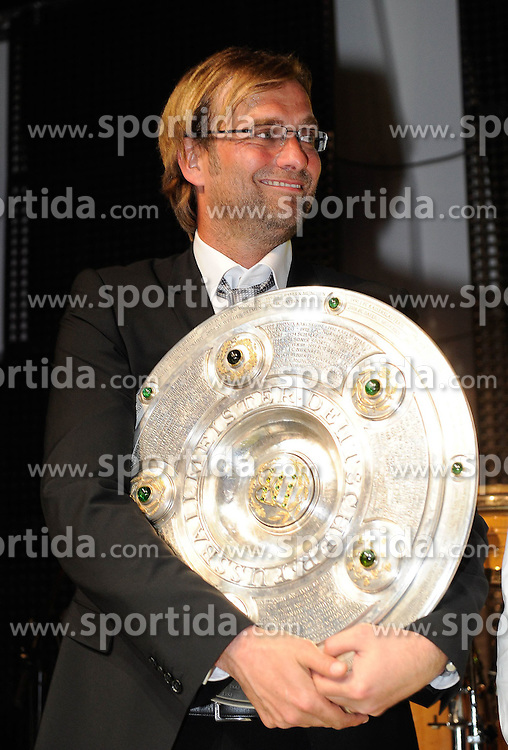 14.05.2011, U-Haus, Dortmund, GER, 1.FBL, Borussia Dortmund Meisterbankett im Bild Trainer Jürgen KLOPP, rechts mit Meisterschale //   German 1.Liga Football ,  Borussia Dortmund Championscelebration, Dortmund, 14/05/2011 . EXPA Pictures © 2011, PhotoCredit: EXPA/ nph/  Conny Kurth       ****** out of GER / SWE / CRO  / BEL ******