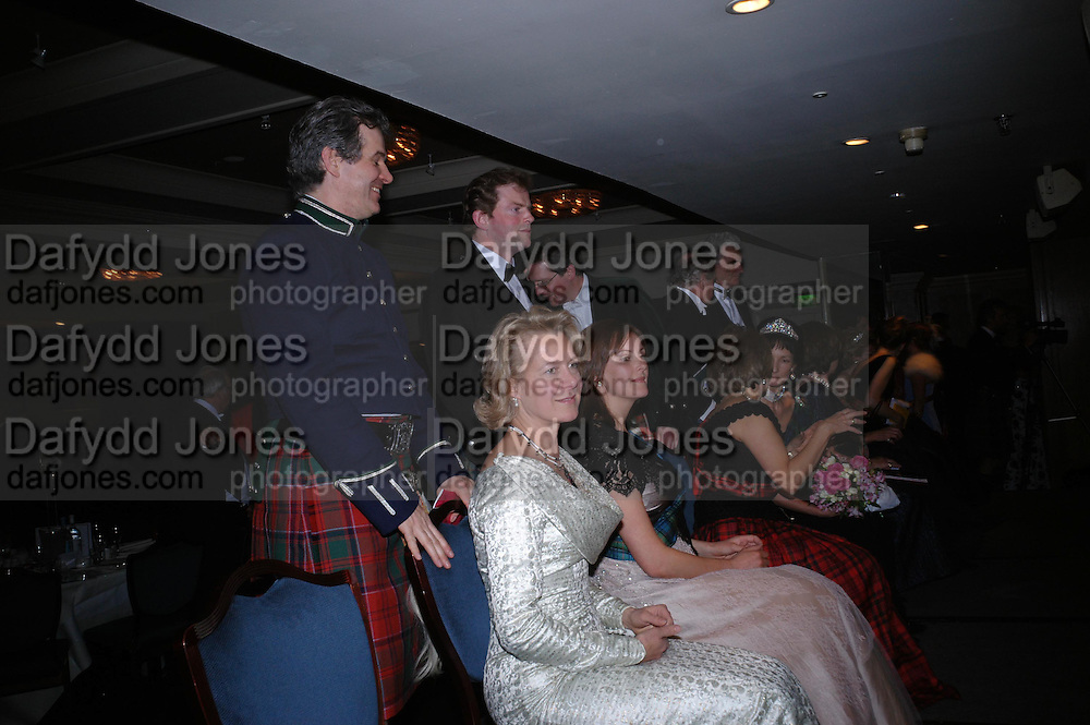 Humphrey and Daisy Drummond. The  Royal Caledonian Ball in aid of The Royal Caledonian Ball Trust held at The Grosvenor House Hotel, Park Lane, London W1.  28  April 2005. ONE TIME USE ONLY - DO NOT ARCHIVE  © Copyright Photograph by Dafydd Jones 66 Stockwell Park Rd. London SW9 0DA Tel 020 7733 0108 www.dafjones.com