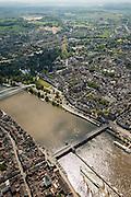 Nederland, Limburg, Gemeente Maastricht, 27-05-2013; De Maas met beneden de Sint Servaasbrug en de Maasboulevard rechts, en zuidelijk deel van Maastricht en de historische binnenstad, links de Oeverwal in stadsdeel Wyck en iets hoger de fiets- en voetgangersbrug Hoge Brug (architect René Greisch) naar Wyck en de nieuwe wijk Céramique.<br /> The river Maas (Meuse) with the St. Servaas Bridge (bottom), and the Maasboulevard, view on the southern part of Maastricht and the  Old Town on the right  and other bank the new constructed district Ceramique.<br /> luchtfoto (toeslag op standaardtarieven);<br /> aerial photo (additional fee required);<br /> copyright foto/photo Siebe Swart.