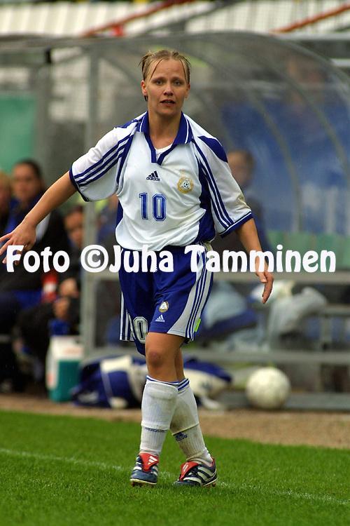 05.05.2002, Pohjola Stadion, Vantaa, Finland..FIFA Women's World Cup qualifying match, Finland v Switzerland..Terhi Uusi-Luomalahti - Finland.©Juha Tamminen