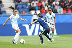 June 10, 2019: Paris, France: Florencia Bonsegundo of Argentina and Japan Hasegawa  game valid for group D of the first phase of the Women's Soccer World Cup in the Parc Des Princes in Paris in France on Monday, 10. (Credit Image: © Vanessa Carvalho/ZUMA Wire)