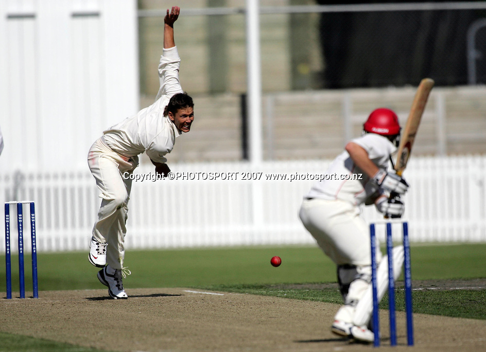 Northern District's Joseph Yovich bowls during the State Championship Cricket Final between Northern Districts and Canterbury at Seddon Park, Hamilton, New Zealand on Thursday 22 March 2007. Photo: Hagen Hopkins/PHOTOSPORT<br />