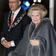 NLD/Rotterdam/20140201 - Beatrix met hart en ziel, Burgemeester Ahmed Aboutaleb begroet Prinses Beatrix