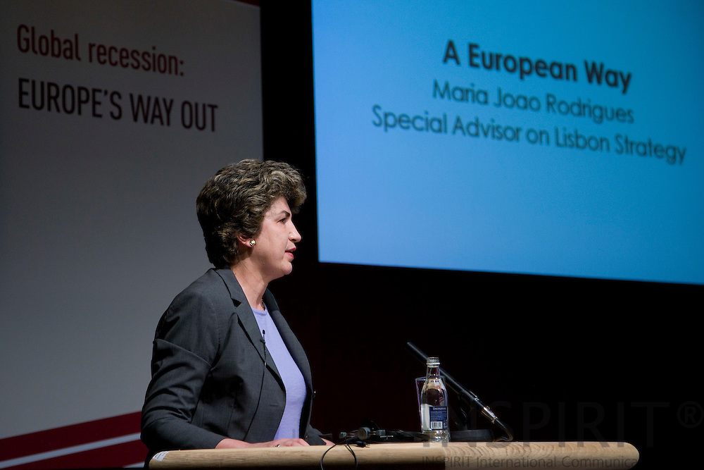 DUBLIN - IRELAND - 05 NOVEMBER 2009 -- Eurofound Forum - Global recession: Europe's way out. Maria João (Joao) Rodrigues, Special Advisor on Lisbon Strategy.   PHOTO: ERIK LUNTANG / INSPIRIT Photo