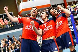 20150423 NED: Eredivisie ARBO Rotterdam Fusion - Zaanstad, Rotterdam <br />Sam Boehm, Max Staples en Linford Bennett vieren de overwinning van ARBO Rotterdam Fusion en het lijfsbehoud<br />©2015-FotoHoogendoorn.nl / Pim Waslander