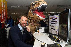 © Licensed to London News Pictures. 27/10/2016. England football manager GARETH SOUTHGATE takes part in trading at Bloomberg, encouraging stockbrokers and companies to make donations to their chosen charities. London, UK. Photo credit: Ray Tang/LNP