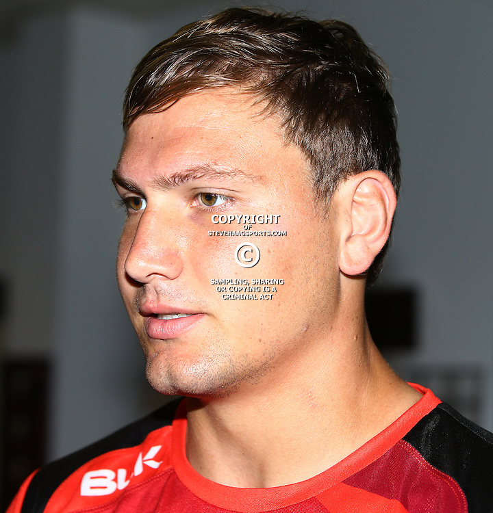 DURBAN, SOUTH AFRICA - MARCH 08: Etienne Oosthuizen during the Cell C Sharks training session and press conference at Growthpoint Kings Park on March 08, 2016 in Durban, South Africa. (Photo by Steve Haag/Gallo Images)