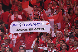 23.11.2014, Stade Pierre Mauroy, Lille, FRA, Davis Cup Finale, Frankreich vs Schweiz, im Bild Feature Schweiz Fans // during the Davis Cup Final between France and Switzerland at the Stade Pierre Mauroy in Lille, France on 2014/11/23. EXPA Pictures © 2014, PhotoCredit: EXPA/ Freshfocus/ Valeriano Di Domenico<br /> <br /> *****ATTENTION - for AUT, SLO, CRO, SRB, BIH, MAZ only*****