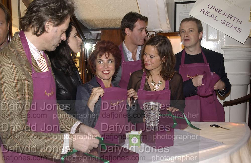 Bob Geldof, Nigella Lawson, Ruby Wax, Tim Jeffries, Jade Jagger and Harry enfield. Charity sale of the last ever sale at Asprey and Garrard. New Bond St. London. 15/1/02© Copyright Photograph by Dafydd Jones 66 Stockwell Park Rd. London SW9 0DA Tel 020 7733 0108 www.dafjones.com