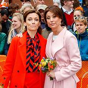 NLD/Groningen/20180427 - Koningsdag Groningen 2018, Marilene van den Broek en Aimee Sohngen