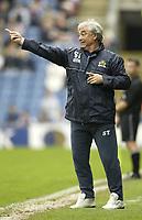 Photo Aidan Ellis.<br /> Burnley v Sunderland.<br /> FA Barclaycard Premiership.<br /> 09/05/2004.<br /> Burnley manager Stan Ternant gives his team directions one last time