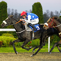 Bobs Her Uncle and Ted Durcan winning the 4.35 race