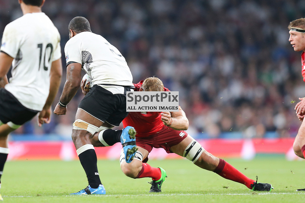 TWICKENHAM, ENGLAND - SEPTEMBER 18:  England's captain Chris Robshaw (7) in action during the opening game of the Rugby World Cup between England and Fiji at Twickenham on September 18, 2015 in London, England. (Credit: SAM TODD | SportPix.org.uk)