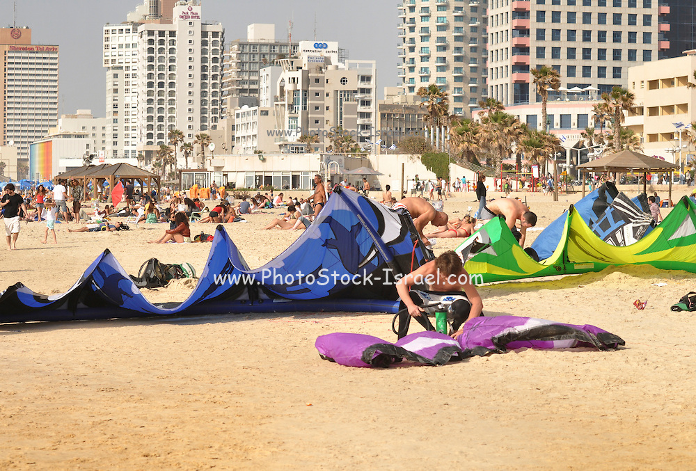 Israel, Tel Aviv, Kite surfing in the Mediterranean sea
