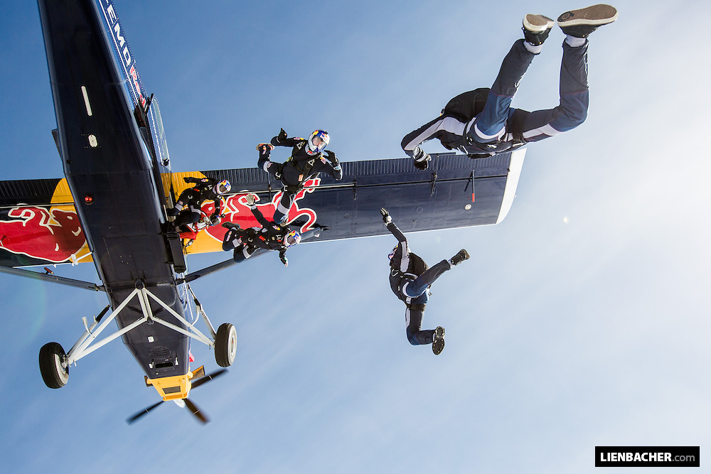 The Red bull Skydive Team is exiting their Pilatus Porter PC-6.<br />