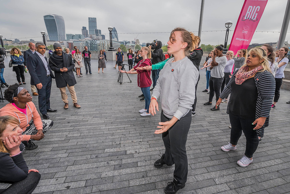 The Mayor of London Sadiq Khan joined choreographer Akram Khan and Londoners as they warmed-up at City Hall for the international Big Dance Pledge. On Friday 20 May, over 40,000 people in 43 countries around the world will take part in the Big Dance event, which has been specially choreographed by Akram Khan. Among the Londoners were: Students from University of Roehampton; MovE17 community group; Children from John Scurr Primary School; and the Croydon Community Dance group. This year is the finale of Big Dance, celebrating ten years of grassroots and community dance.