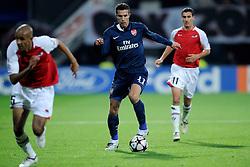 20-10-2009 VOETBAL: AZ - ARSENAL: ALKMAAR<br /> AZ in slotminuut naast Arsenal 1-1 / Robin van Persie<br /> ©2009-WWW.FOTOHOOGENDOORN.NL
