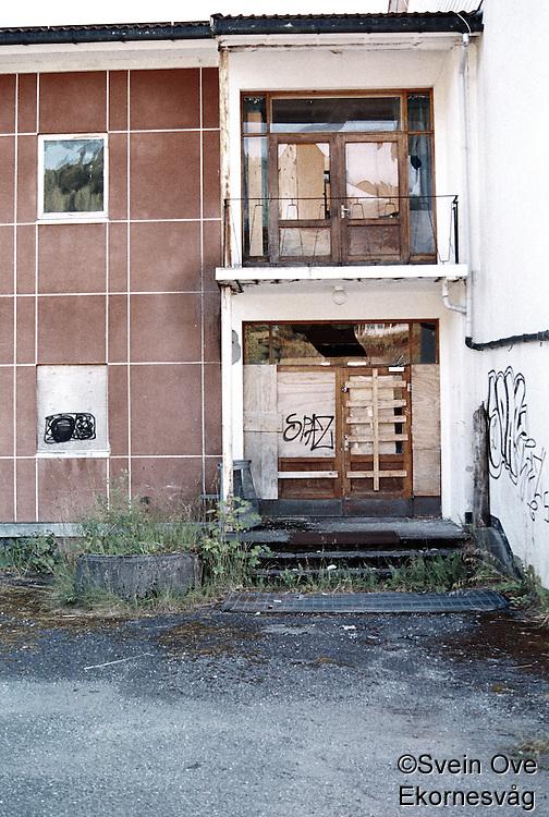 Forlatt skole på Skodje.<br /> Foto: Svein Ove Ekornesvåg
