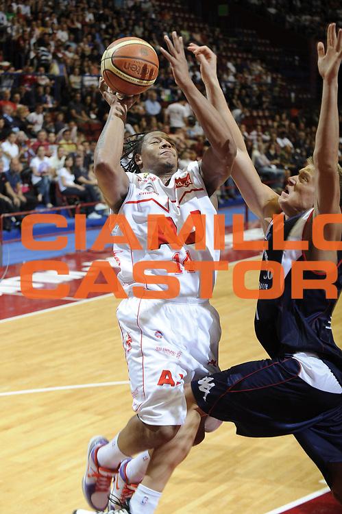 DESCRIZIONE : Milano Lega A 2008-09 Playoff Semifinale Gara 1 Armani Jeans Milano Angelico Biella<br /> GIOCATORE : David Hawkins<br /> SQUADRA : Armani Jeans Milano<br /> EVENTO : Campionato Lega A 2008-2009<br /> GARA : Armani Jeans Milano Angelico Biella<br /> DATA : 29/05/2009<br /> CATEGORIA : Tiro<br /> SPORT : Pallacanestro<br /> AUTORE : Agenzia Ciamillo-Castoria/G.Ciamillo