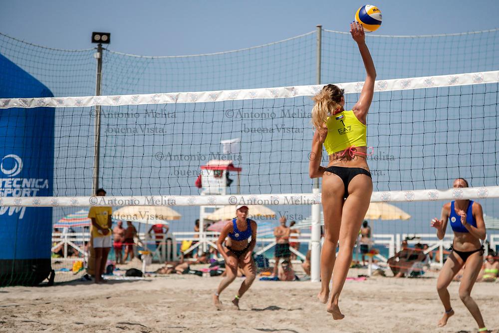 Spiaggia di Mondello (Palermo) - Terza tappa del campionato italiano di beach volley a coppie femminili.