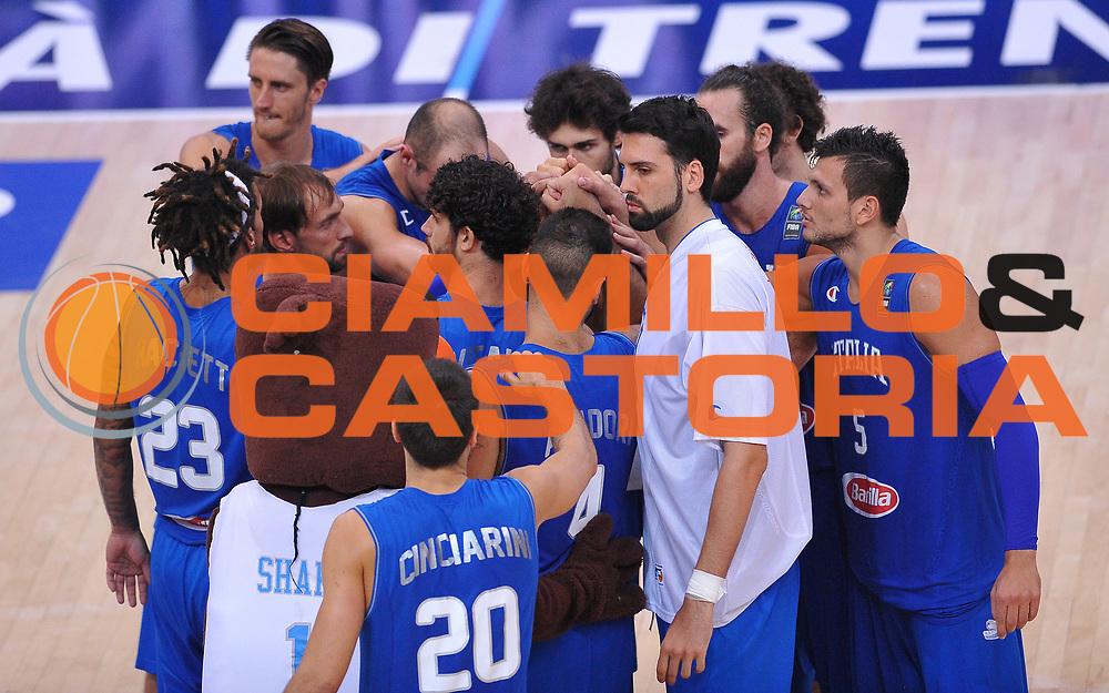 DESCRIZIONE : Trento Nazionale Italia Uomini Trentino Basket Cup Italia Germania Italy Germany <br /> GIOCATORE : Italia<br /> CATEGORIA : team<br /> SQUADRA : Italia Italy<br /> EVENTO : Trentino Basket Cup<br /> GARA : Italia Germania Italy Germany<br /> DATA : 01/08/2015<br /> SPORT : Pallacanestro<br /> AUTORE : Agenzia Ciamillo-Castoria/A.Scaroni<br /> Galleria : FIP Nazionali 2015<br /> Fotonotizia : Trento Nazionale Italia Uomini Trentino Basket Cup Italia Germania Italy Germany