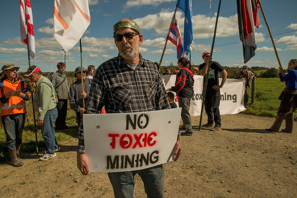"Anti gold mining protester Malcolm Rands at Puhipuhi, Northland, New Zealand, where some broke past security onto a farm where an Australian company has been drilling. Sunday September 11, 2016. Credit:SNPA / Malcolm Pullman. ""NO ARCHIVING"""