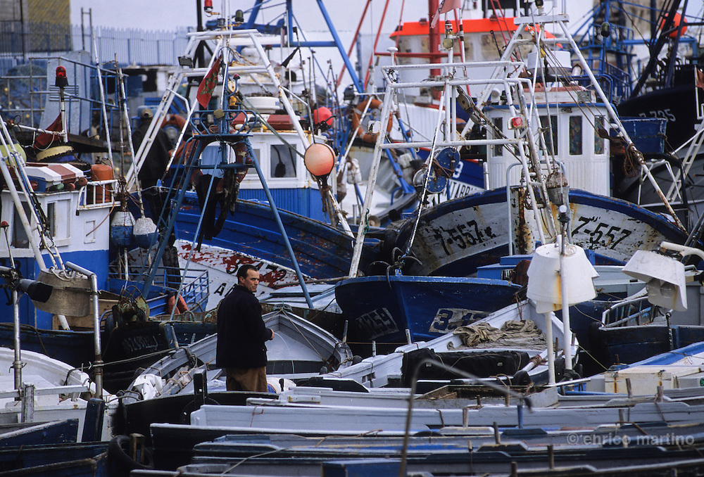 Tangier, the harbour. Fishermen.
