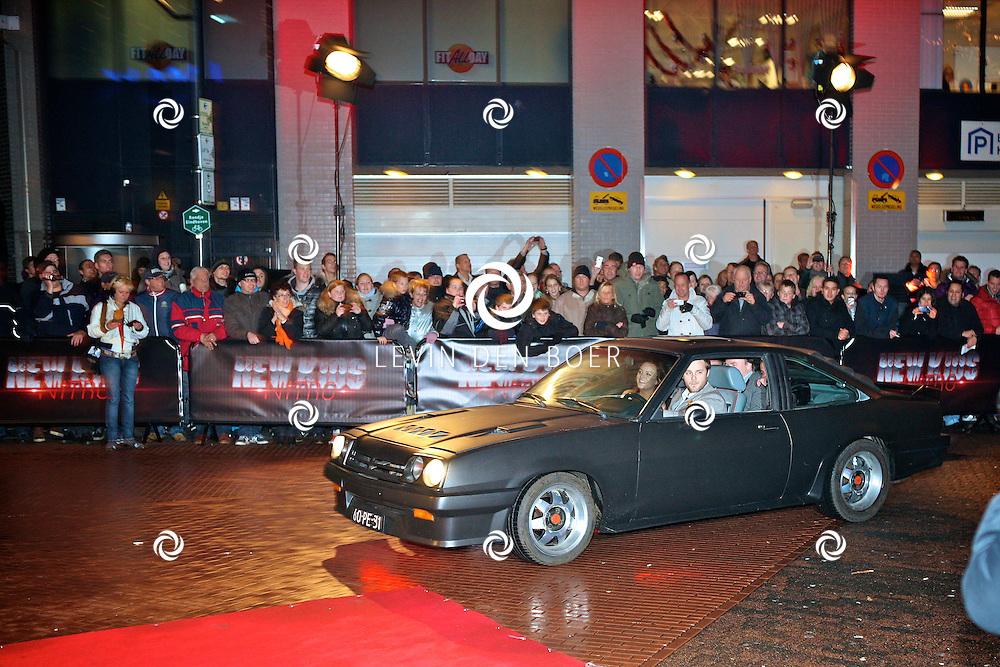 EINDHOVEN - In het Pathe Theater ging de film New Kids Nitro in premiere.  Met op de foto de aankomst van enkele castleden. FOTO LEVIN DEN BOER - PERSFOTO.NU