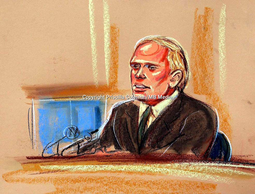 COPYRIGHT PRISCILLA COLEMAN ITV ARTIST 15.09.03..PICTURE SHOWS:DOCTOR RICHARD SCOTT, DEFENCE SCIENCE AND TECHNOLOGY LABORATORY GIVING EVIDENCE AT THE HIGH COURT IN LONDON TO THE KELLY INQUIRY.