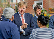 ARNHEM - King Willem-Alexander during his visit to Omnizorg-Apeldoorn. The foundation participates in the Green Connect Program of the Orange Fund. copyright robin utrecht ARNHEM - Koning Willem-Alexander tijdens zijn bezoek aan Omnizorg-Apeldoorn. De stichting neemt deel aan het programma Groen Verbindt van het Oranje Fonds.  copyright robin utrecht
