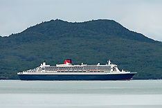 Auckland- Queen Mary Liner arrives