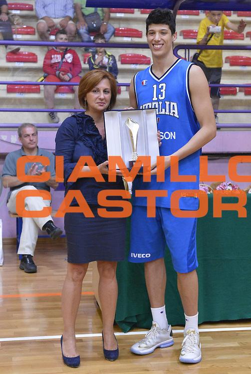 DESCRIZIONE : 6 Luglio 2013 Under 18 maschile<br /> Torneo di Cisternino Italia Grecia<br /> GIOCATORE : Simone Fontecchio<br /> CATEGORIA : <br /> SQUADRA : Italia Under 18<br /> EVENTO : 6 Luglio 2013 Under 18 maschile<br /> Torneo di Cisternino Italia Grecia<br /> GARA : Italia Under 18 Grecia<br /> DATA : 06/07/2013<br /> SPORT : Pallacanestro <br /> AUTORE : Agenzia Ciamillo-Castoria/GiulioCiamillo<br /> Galleria : <br /> Fotonotizia : 6 Luglio 2013 Under 18 maschile<br /> Torneo di Cisternino Italia Grecia<br /> Predefinita :