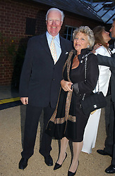 DAME VIVIEN DUFFIELD the multi millionaire art benefactor and SIR JOCELYN STEVENS at the annual Cartier Flower Show Diner held at The Physics Garden, Chelsea, London on 23rd May 2005.<br /><br />NON EXCLUSIVE - WORLD RIGHTS