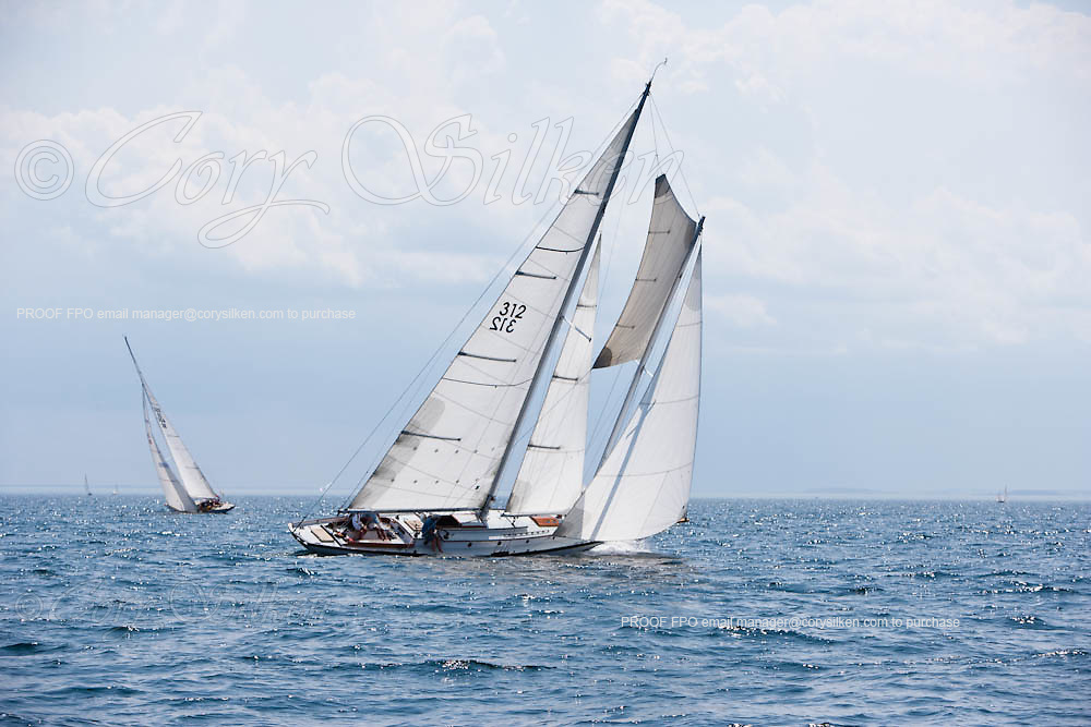 Fortune sailing in the Corinthian Classic Yacht Regatta.