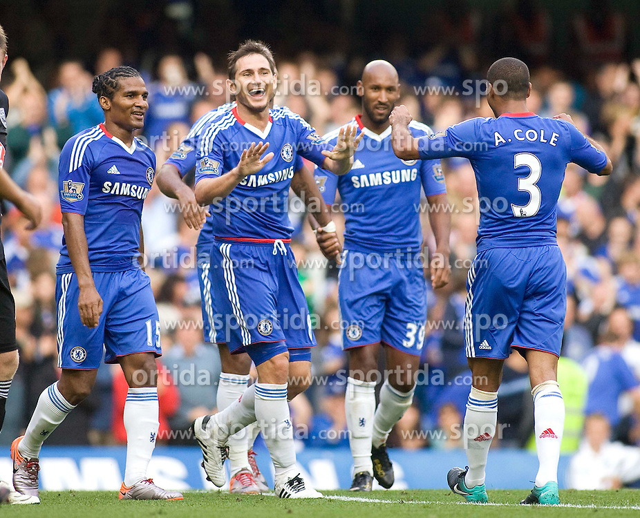 14.08.2010, Stamford Bridge, London, ENG, PL, FC Chelsea vs West Bromwich Albion, im Bild Chelsea's Frank Lampard  celebrates with team mates in the 6-0 win on the opening day of the season against Premiership new boys west Bromich Albion, . EXPA Pictures © 2010, PhotoCredit: EXPA/ IPS/ Mark Greenwood +++++ ATTENTION - OUT OF UK +++++  . / SPORTIDA PHOTO AGENCY