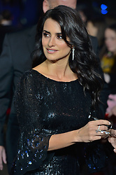 © Licensed to London News Pictures. 02/11/2017. London, UK. PENÉLOPE CRUZ attends the World Film premiere of Murder On The Orient Express . Photo credit: Ray Tang/LNP