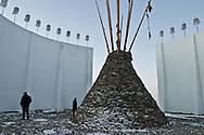 Mongolia. Gengis Khan monument.   snow in winter  Hakhorin -    /  monument a la gloire de Gengis Khan; tente symbolique, (hakhorin) en hiver dans la neige  Karakorum - Mongolie  /  L0009870