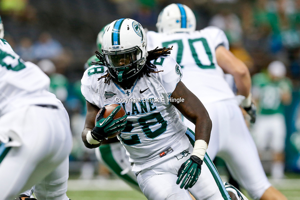 Oct 5, 2013; New Orleans, LA, USA; Tulane Green Wave running back Rob Kelley (28) runs against the North Texas Mean Green during the first half at Mercedes-Benz Superdome. Mandatory Credit: Derick E. Hingle-USA TODAY Sports