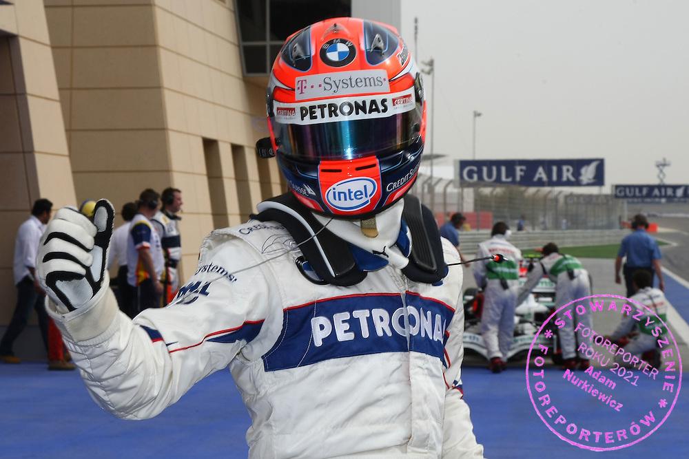 05.04.2008 Sakhir, Bahrain, .Robert Kubica (POL),  BMW Sauber F1 Team gets pole position - Formula 1 World Championship, Rd 3, Bahrain Grand Prix, Saturday Qualifying .FOT. XPB.CC / WROFOTO.*** POLAND ONLY !!! ***.*** NO INTERNET / MOBILE USAGE !!! ***
