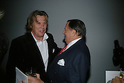 Theo Fennell and Barry Humphries, ' Show Off' Theo Fennell exhibition co-hosted wit Vanity Fair. Royal Academy. Burlington Gdns. London. 27 September 2007. -DO NOT ARCHIVE-© Copyright Photograph by Dafydd Jones. 248 Clapham Rd. London SW9 0PZ. Tel 0207 820 0771. www.dafjones.com.