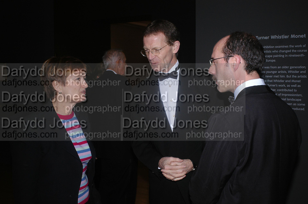 Tessa Jowell, Sir Nicholas Serota and Stephen Deuchar. Turner Whistler Monet, exhibtion opening dinner, Tate Britain. 7 February 2005, ONE TIME USE ONLY - DO NOT ARCHIVE  © Copyright Photograph by Dafydd Jones 66 Stockwell Park Rd. London SW9 0DA Tel 020 7733 0108 www.dafjones.com